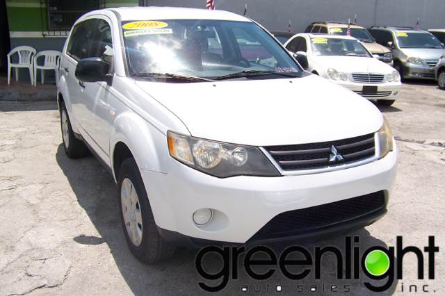 2008 Mitsubishi Outlander for sale at Green Light Auto Sales INC in Miami FL