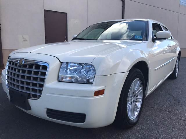 2008 Chrysler 300 for sale at MENNE AUTO SALES LLC in Hasbrouck Heights NJ