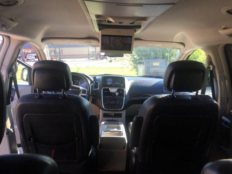2012 Chrysler Town and Country Touring 4dr Mini-Van - Richmond KY