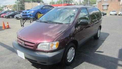 1999 Toyota Sienna for sale in Chicago, IL