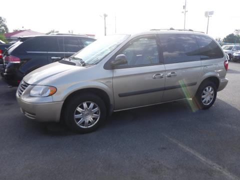Chrysler town and country for sale in winchester va for Goldstar motor company winchester virginia