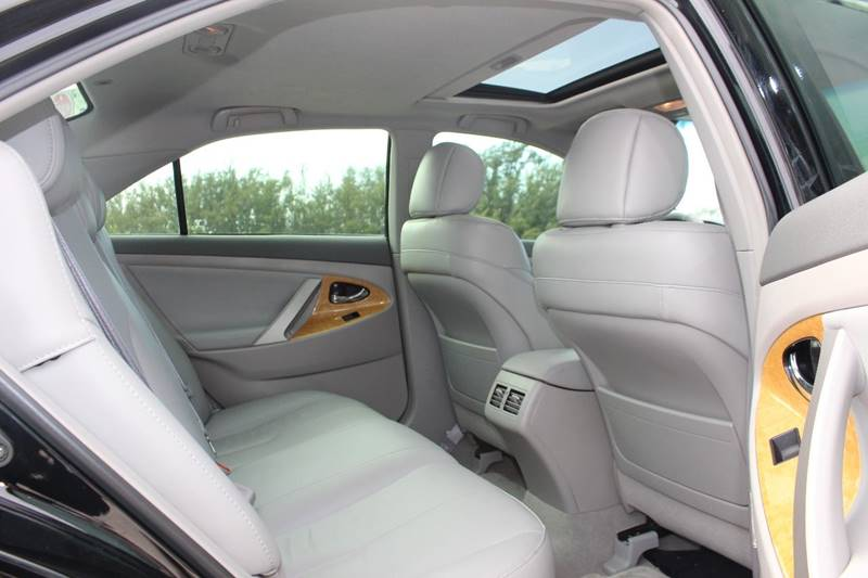 2007 Toyota Camry XLE 4dr Sedan In Hollywood FL