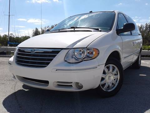 2005 Chrysler Town and Country for sale in Hollywood, FL