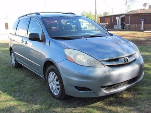 2006 Toyota Sienna for sale at CANTWEIGHT CLASSICS in Maysville OK