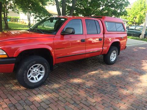 2002 Dodge Dakota for sale at RIVER AUTO SALES CORP in Maywood IL