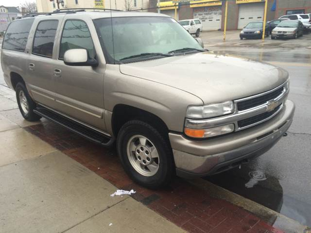 2001 Chevrolet Suburban for sale at RIVER AUTO SALES CORP in Maywood IL
