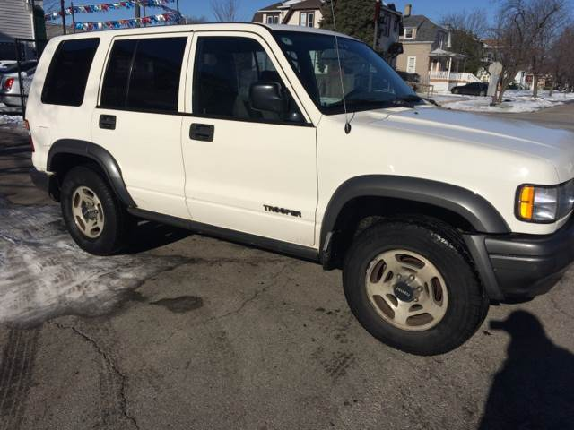 1996 Isuzu Trooper for sale at RIVER AUTO SALES CORP in Maywood IL