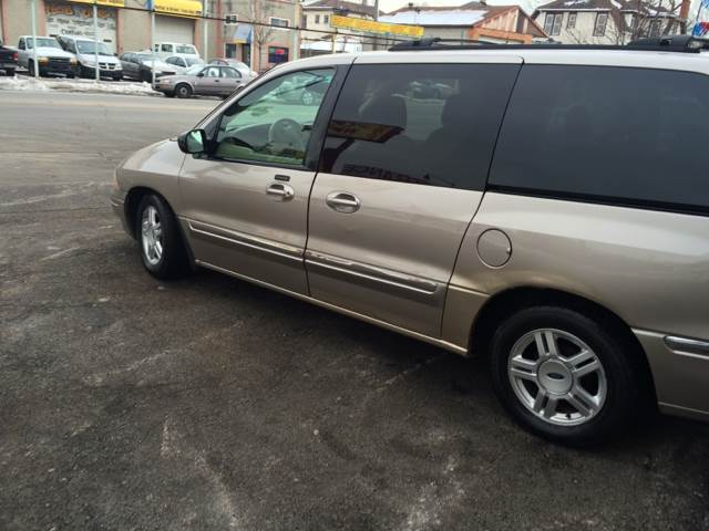 2003 Ford Windstar for sale at RIVER AUTO SALES CORP in Maywood IL