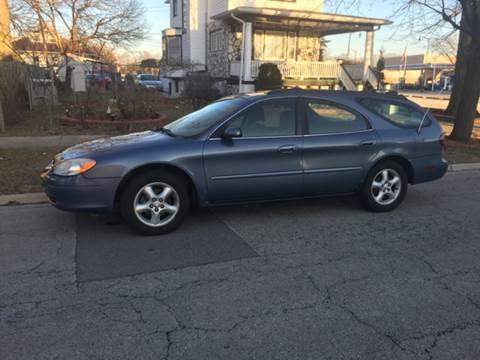 2000 Ford Taurus for sale at RIVER AUTO SALES CORP in Maywood IL