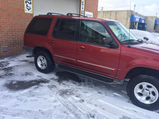 2001 Ford Explorer for sale at RIVER AUTO SALES CORP in Maywood IL