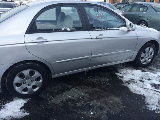 2006 Kia Spectra for sale at RIVER AUTO SALES CORP in Maywood IL
