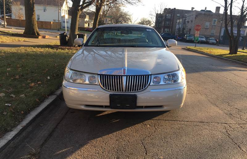 2001 Lincoln Town Car Cartier 4dr Sedan In Maywood Il Chicago S 1