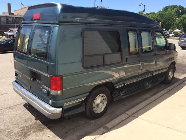 1997 Ford E-150 for sale at RIVER AUTO SALES CORP in Maywood IL