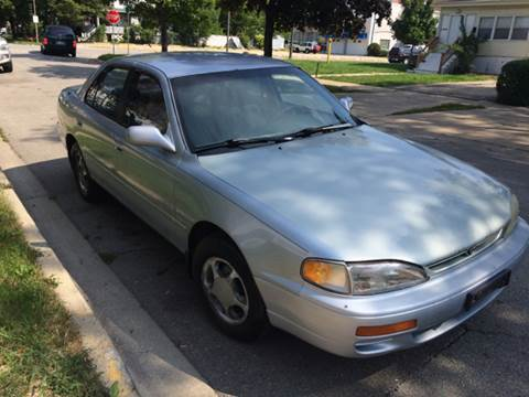 1995 Toyota Camry for sale at RIVER AUTO SALES CORP in Maywood IL