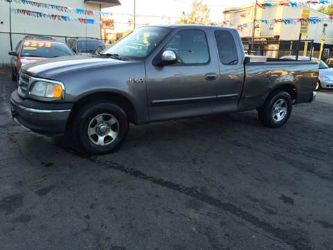 2002 Ford F-150 for sale at RIVER AUTO SALES CORP in Maywood IL