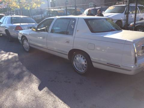 1997 Cadillac DeVille for sale at RIVER AUTO SALES CORP in Maywood IL