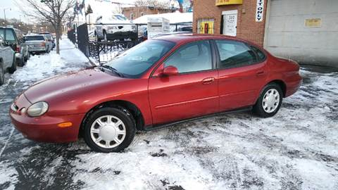 1996 Ford Taurus for sale at RIVER AUTO SALES CORP in Maywood IL