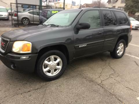 2005 GMC Envoy for sale at RIVER AUTO SALES CORP in Maywood IL