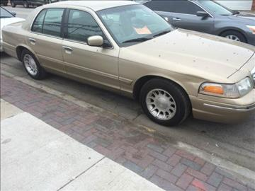 1999 Ford Crown Victoria for sale at RIVER AUTO SALES CORP in Maywood IL