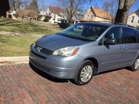 2005 Toyota Sienna for sale at RIVER AUTO SALES CORP in Maywood IL