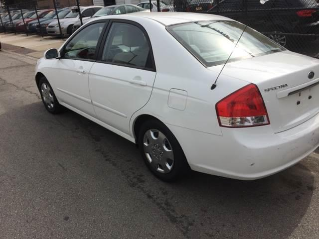 2009 Kia Spectra for sale at RIVER AUTO SALES CORP in Maywood IL