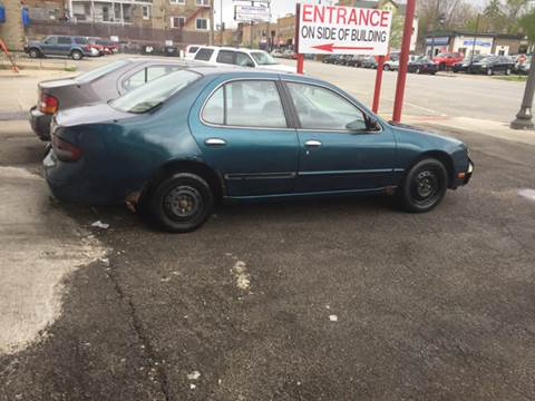 1995 Nissan Altima for sale at RIVER AUTO SALES CORP in Maywood IL