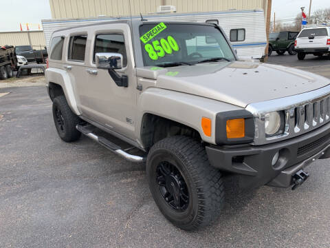 2006 HUMMER H3 for sale at Used Car Factory Sales & Service Troy in Troy OH