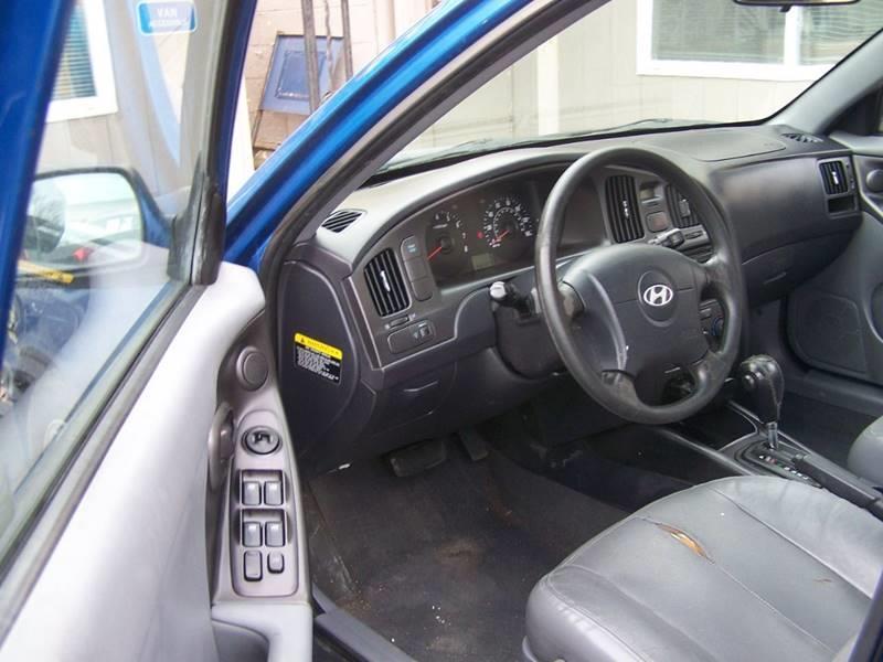 2005 Hyundai Elantra GT 4dr Sedan - Mayfield PA