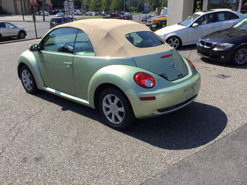 2008 Volkswagen New Beetle S 2dr Convertible 6A - New Milford CT