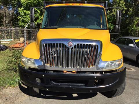2006 International 4000 SERIES 4300 for sale in New Milford, CT