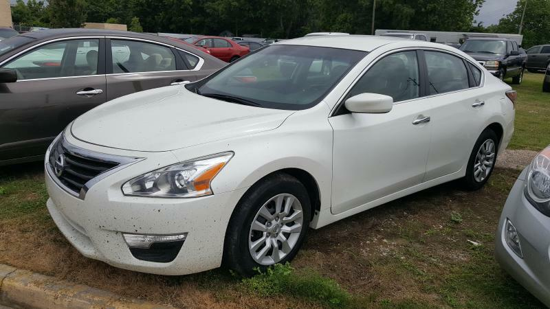 2015 NISSAN ALTIMA 25 4DR SEDAN white air conditioning power windows power locks power steeri