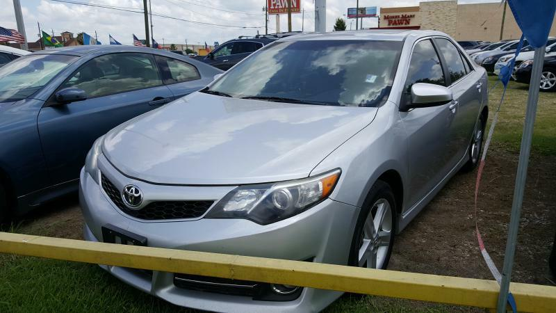 2012 TOYOTA CAMRY BASE silver air conditioning power windows power locks power steering tilt