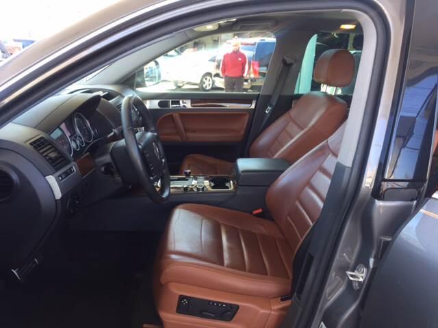 2008 Volkswagen Touareg 2 AWD V8 FSI 4dr SUV - Irvington NJ