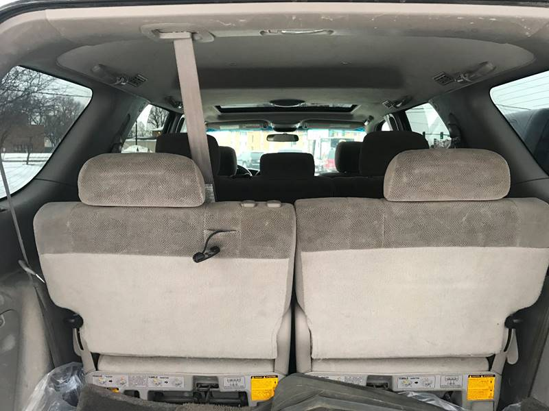2006 Toyota Sequoia SR5 4dr SUV 4WD - Crystal MN