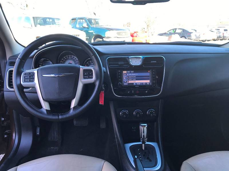 2012 Chrysler 200 Limited 4dr Sedan - Crystal MN