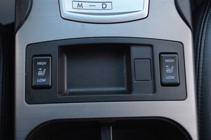 2013 Subaru Outback 2.5i Limited AWD 4dr Wagon full