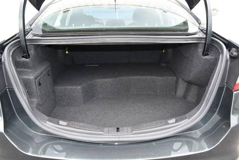 2015 Ford Fusion Hybrid SE 4dr Sedan full