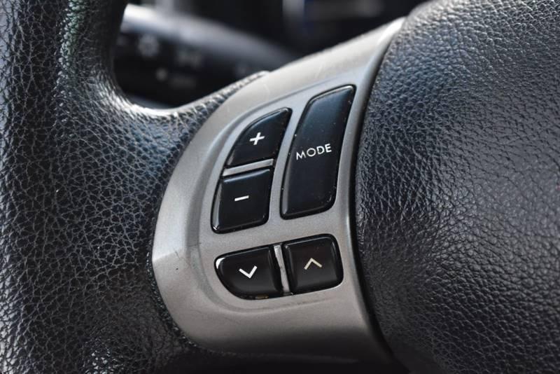 2011 Subaru Forester 2.5X Premium AWD 4dr Wagon 4A full