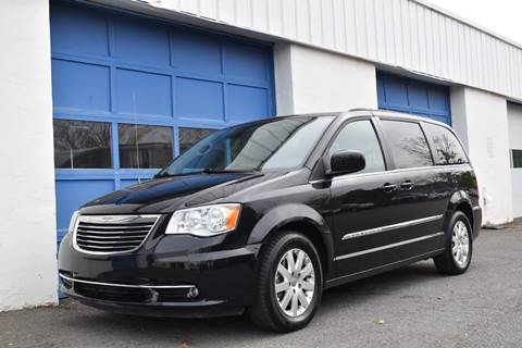 2016 Chrysler Town and Country for sale in East Windsor, NJ