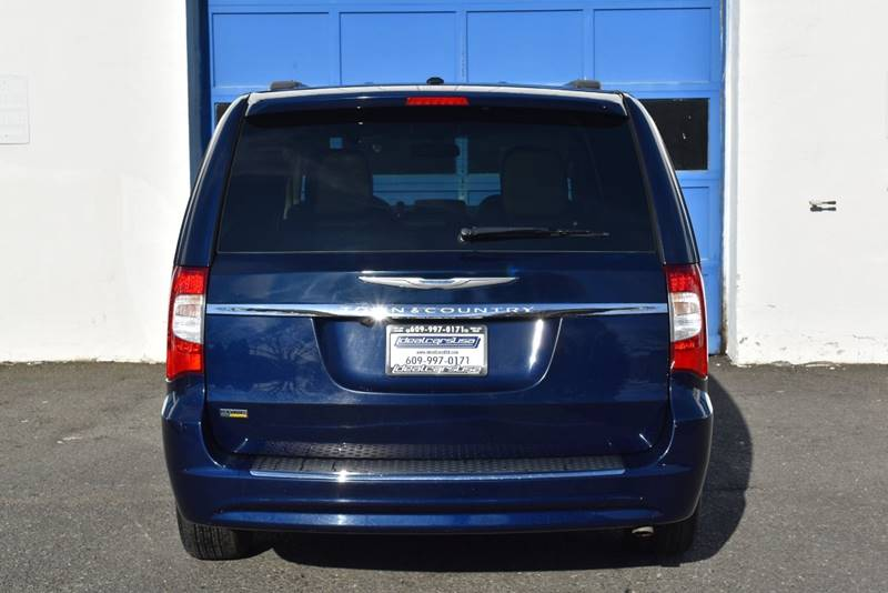 2014 Chrysler Town and Country Touring 4dr Mini Van full