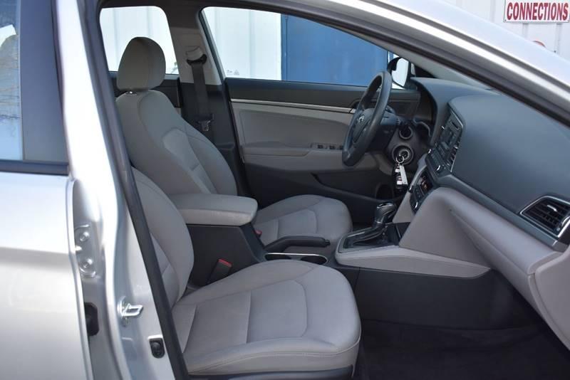 2017 Hyundai Elantra SE 4dr Sedan 6A (US) full