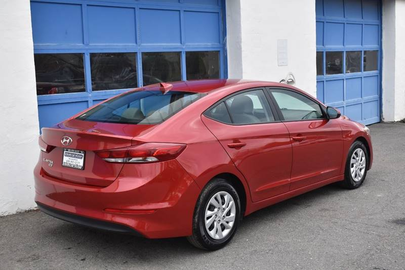 2017 Hyundai Elantra SE 4dr Sedan 6A (US) full