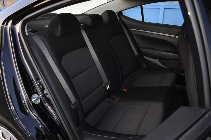 2018 Hyundai Elantra SE 4dr Sedan 6A (US) full