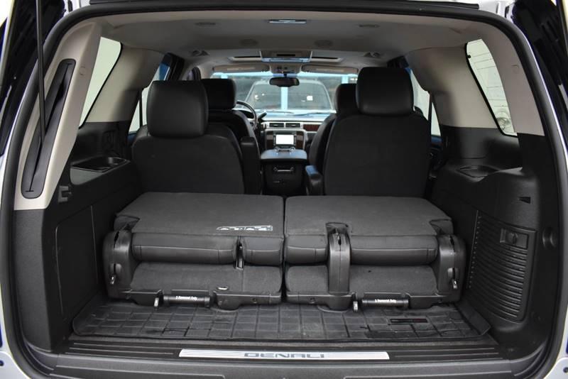 2013 GMC Yukon Denali AWD 4dr SUV full