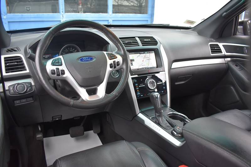 2015 Ford Explorer Sport AWD 4dr SUV full