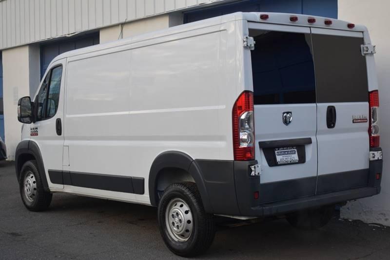 2015 RAM ProMaster Cargo 1500 136 WB 3dr Low Roof Cargo Van full