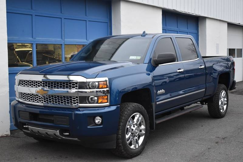 2017 Chevrolet Silverado 2500HD High Country 4×4 4dr Crew Cab SB