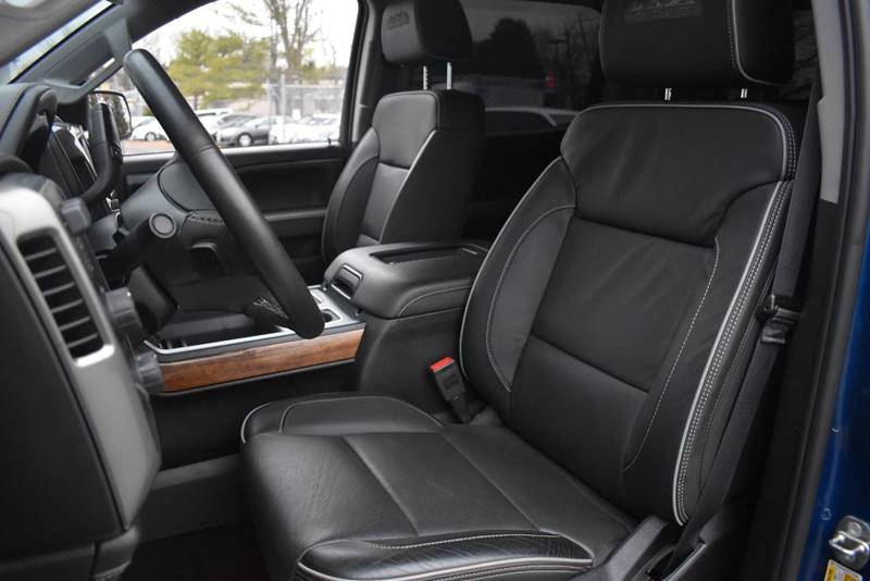 2017 Chevrolet Silverado 2500HD High Country 4×4 4dr Crew Cab SB full