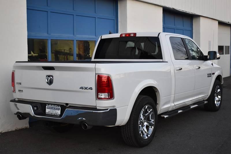 2017 RAM Ram Pickup 1500 Laramie 4×4 4dr Crew Cab 6.3 ft. SB Pickup full
