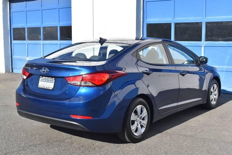 2016 Hyundai Elantra SE 4dr Sedan 6A (US) full